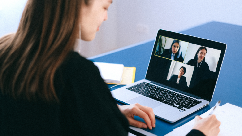 Fun and easy ways to socialise with your remote team