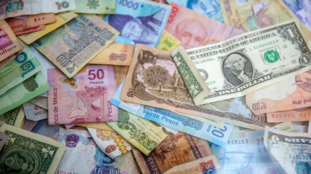should i pay minimum wage or living wage by Jason Leong on Unsplash